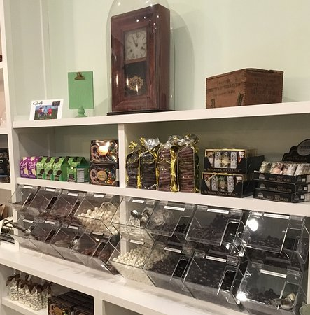 Snow Hill, MD : Olde Town Candy Company