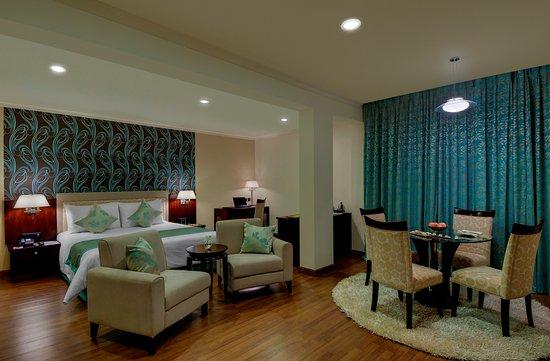 Royalton Hotel: Junior Suite Room
