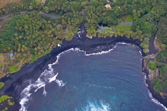Paradise Helicopters Kona Black Sand Beach From The Helicopter