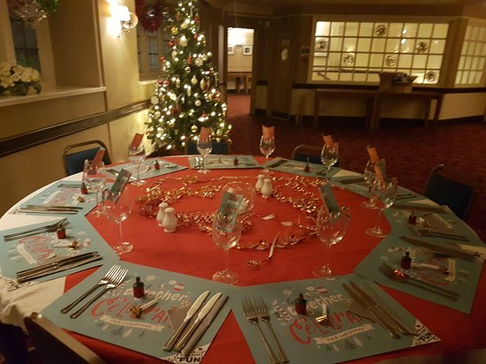 Iver Heath, UK: Function room ready for Christmas dinner party!