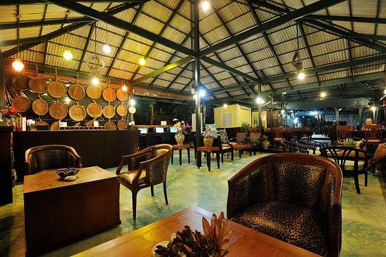 Phi Phi Arboreal Resort: Dining