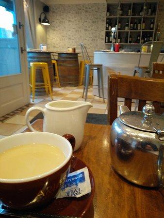 Navan, Irlanda: The tea room