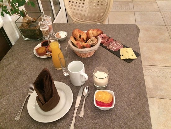 Cangey, France: Petit déjeuner