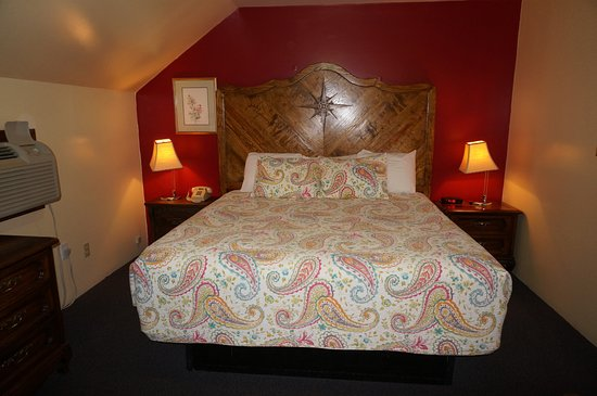 The Anchorage Inn : Very comfortable 6 foot bed