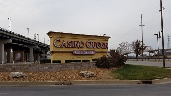 Casino Queen: entrance