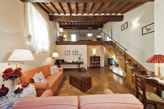 Good Restaurants By Palazzo Vechhia