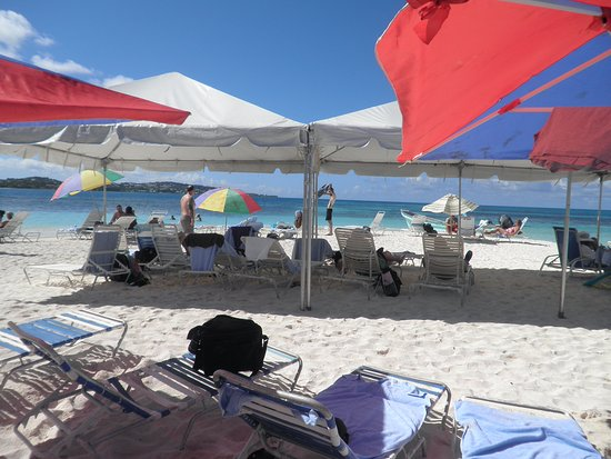 Miguel's Holiday Adventure : Sun, Shade, Chairs, and beautiful water!!