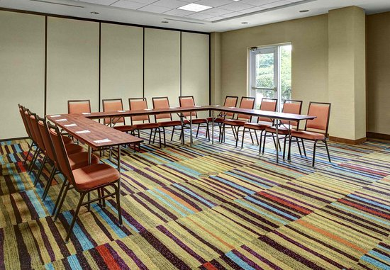 Lithonia, GA: Meeting Space - U-Shape