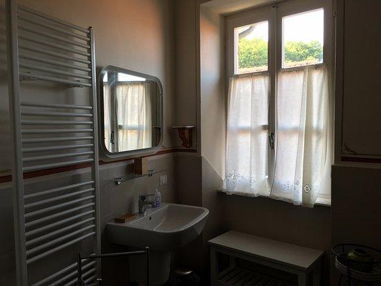 uno dei bagni di casa buffa - picture of casa buffa, cumiana ... - Bagno Di Casa