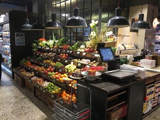 Marks Feinkost: Greengrocery section