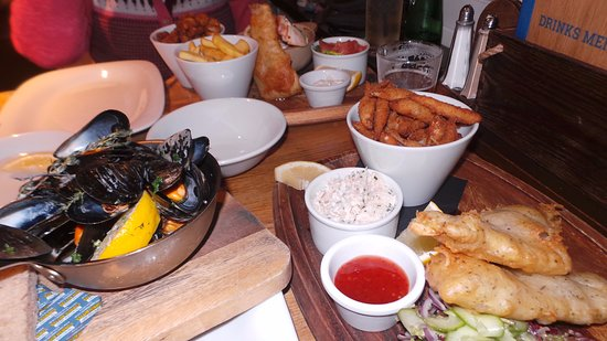 The Lifeboat Inn: seafood sharing platter