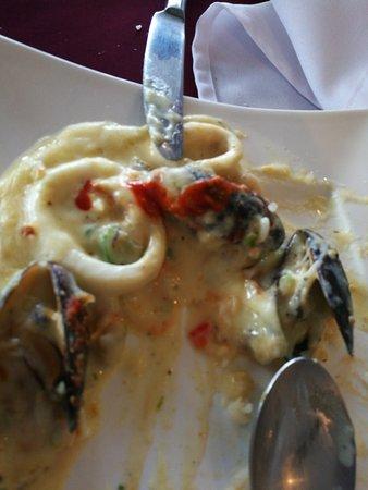 Restaurante La Cascada : Mmm. Bueno. Pero. Por. El. Precio me parece caro