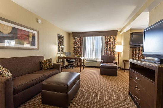 San Mateo, CA: One King Bed One Bedroom Suite