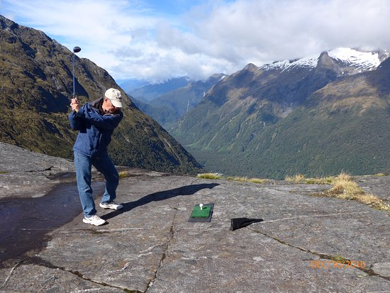 Queenstown, New Zealand: Hitting golf balls