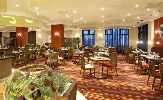 DoubleTree by Hilton Dartford Bridge: Restaurant