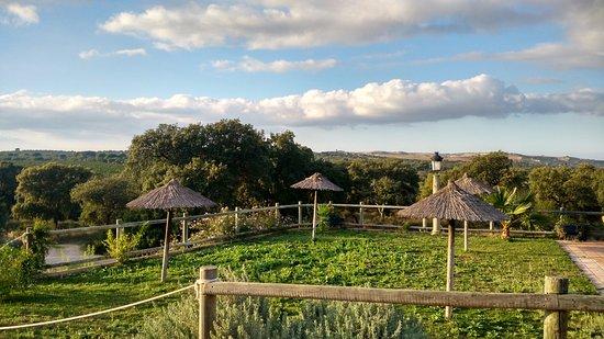 Casas Rurales Elanio Azul: Jardin