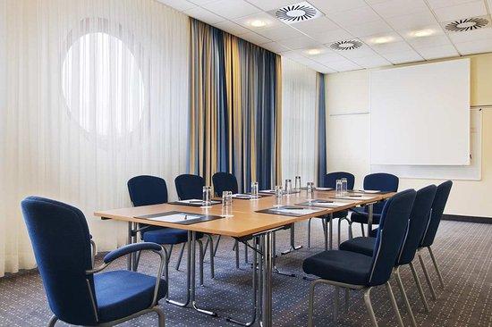 Hilton Nuremberg: Meeting Room Sydney