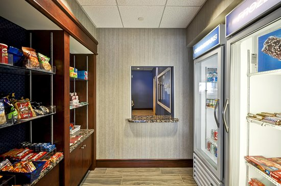 Hampton Inn & Suites Fredericksburg: Snack Shop, Overview