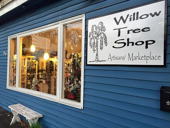 Clarks Summit, PA: Willow Tree Shop's Quaint Storefront