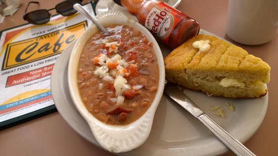 Taylor, MI: Bean's and Skillet Cornbread