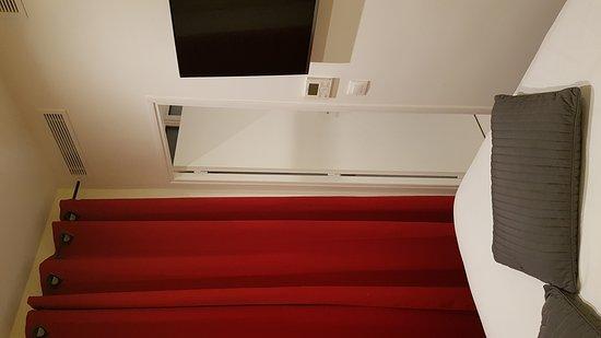 Cecil Hotel : 20161216_005823_large.jpg