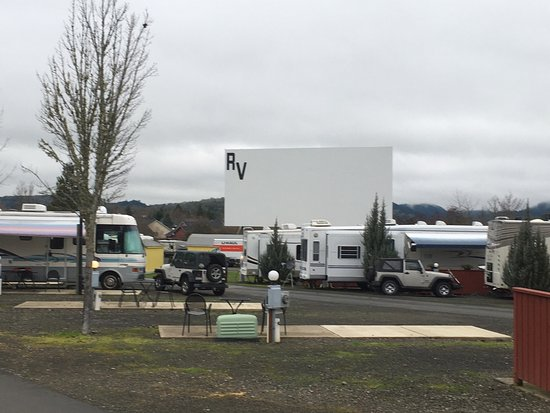 Sutherlin, OR: Classic movies played on the big screen on weekends.