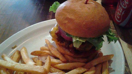 Butcher's Block BBQ: bacon cheese burger