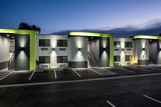 Canoga Park Cheap Hotels