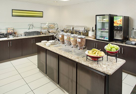 Residence Inn Portland Scarborough: Breakfast Buffet