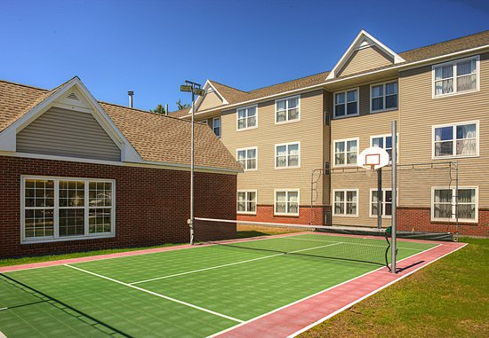 Residence Inn Portland Scarborough: Sports Court