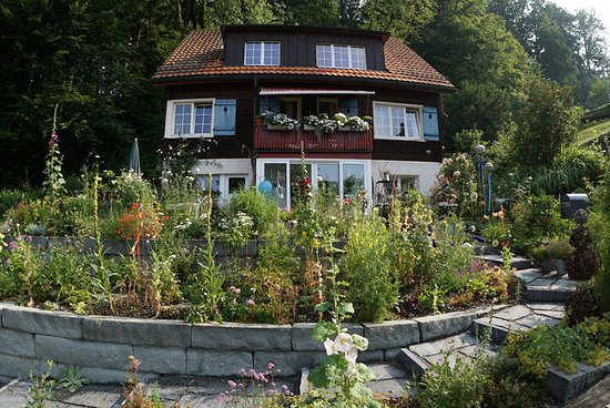 Basaboutique Stadler Blumen & Musik