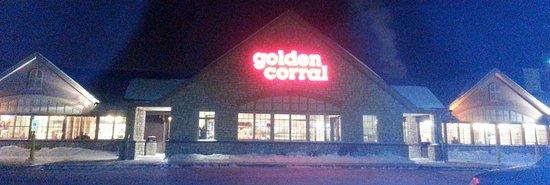 Algonquin, Илинойс: front & entrance to Golden Corral