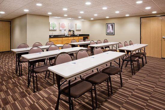 AmericInn Sartell Meeting Room