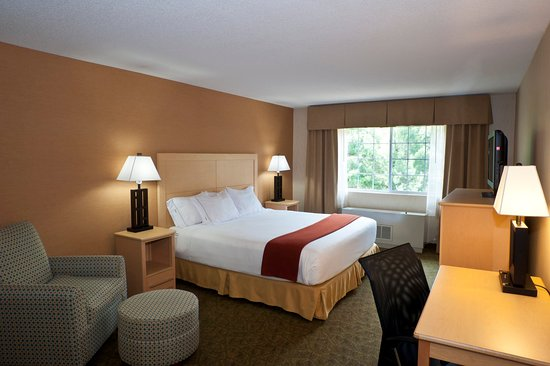 Holiday Inn Express North Conway : King Standard Room Experience