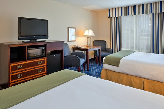 Holiday Inn Express Hotel & Suites Dothan North : Two Queen Bed Guest Room