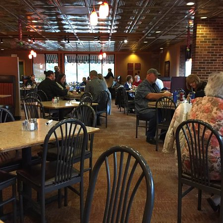 Richmond, IN: Carver's is a spacious, cheery coffee shop.