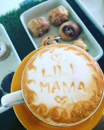 Lili Mama Warung