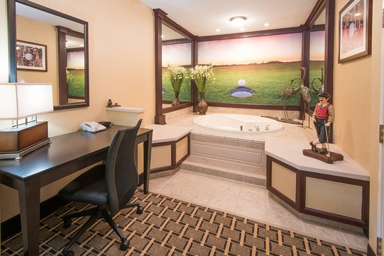 West Middlesex, PA: Tam O'Shanter Spa Suite