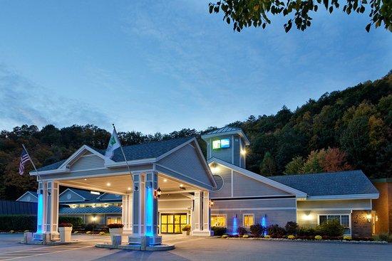 Springfield, VT: Hotel Exterior