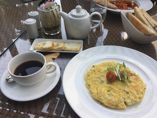 Cafe Bateel: photo1.jpg