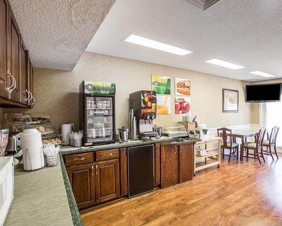 Seneca, SC: Breakfast Area