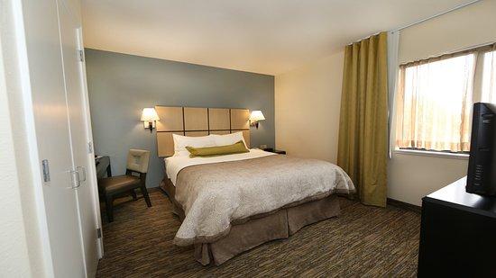 Candlewood Suites - East Lansing M.S.U