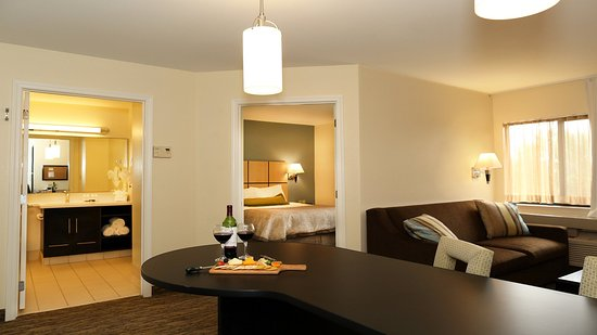 Candlewood Suites - East Lansing M.S.U : One Bedroom Suite