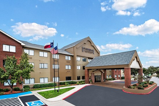 Staybridge Suites Lubbock: Hotel Exterior