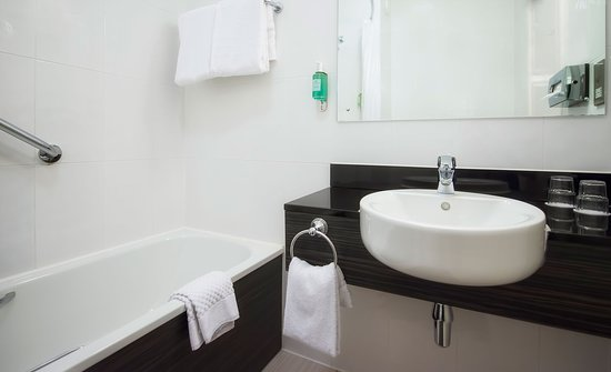 Bathroom Sinks Galway galway bathroom - picture of jurys inn galway, galway - tripadvisor
