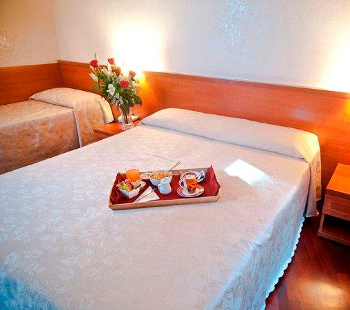 Priscilla Hotel: 682132 Guest Room