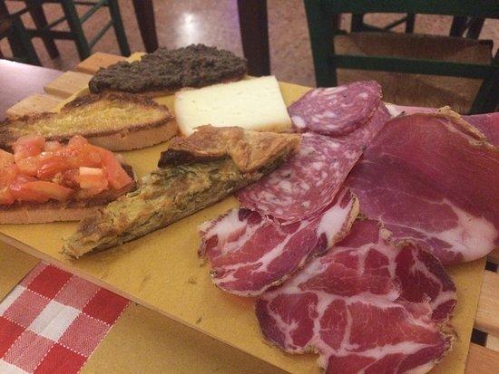 La Zinfarosa Trattoria Pizzeria: photo1.jpg