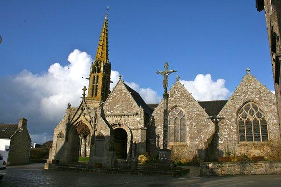 Eglise d'Esquibien ( XVIeme siècle)