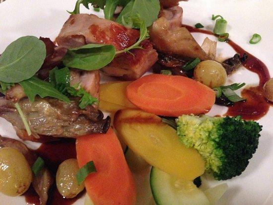 Cafe Restaurant de l'Ecluse: Rabbit main course