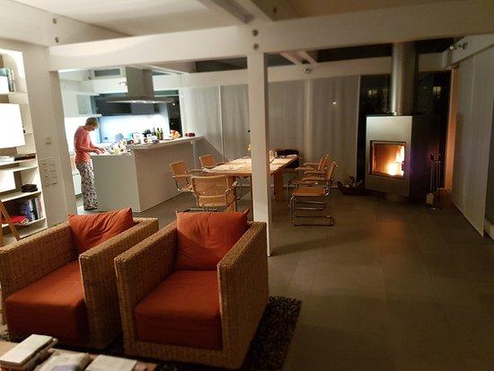Ulenhof: Blick vom Wohn in den Essbereich und Küche